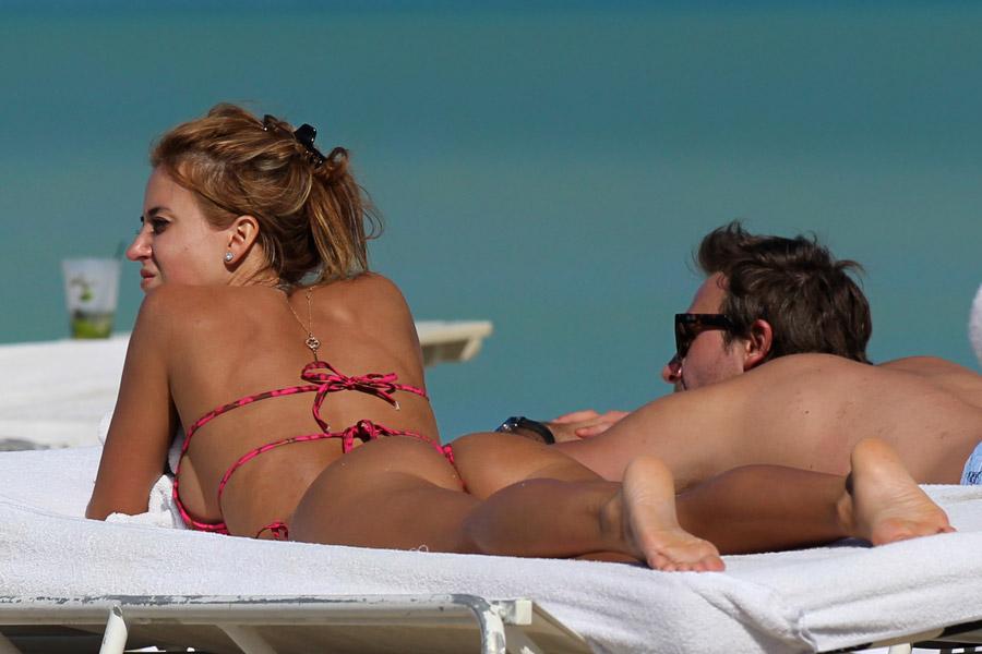 jesica-cirio-gogus-frikik-bikini-miami-arjantinli-televizyon (4)