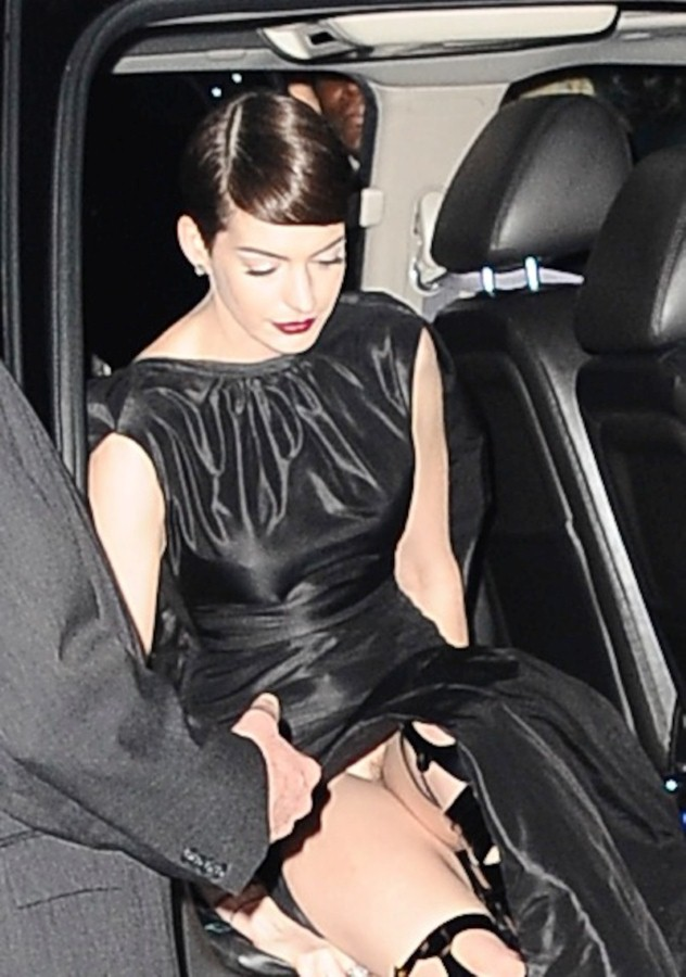 *WARNING: NUDITY* Anne Hathaway arrives at the 'Les Miserables' New York film premiere at the Ziegfeld Theatre in NYC